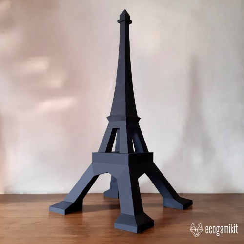 Papercraft Eiffel tower